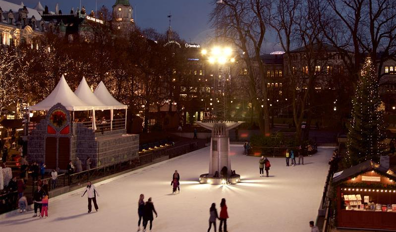 Ice skating in Oslo